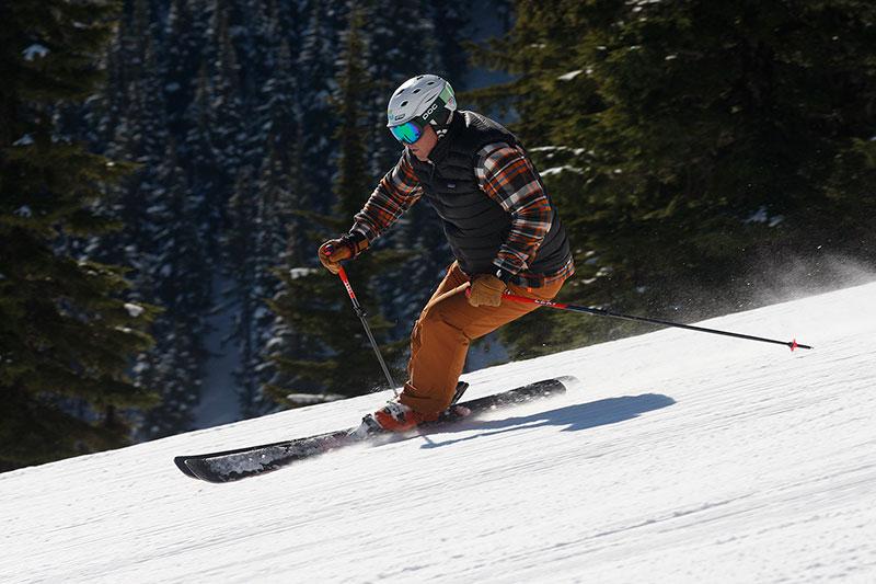 Jim Schaffner skiing